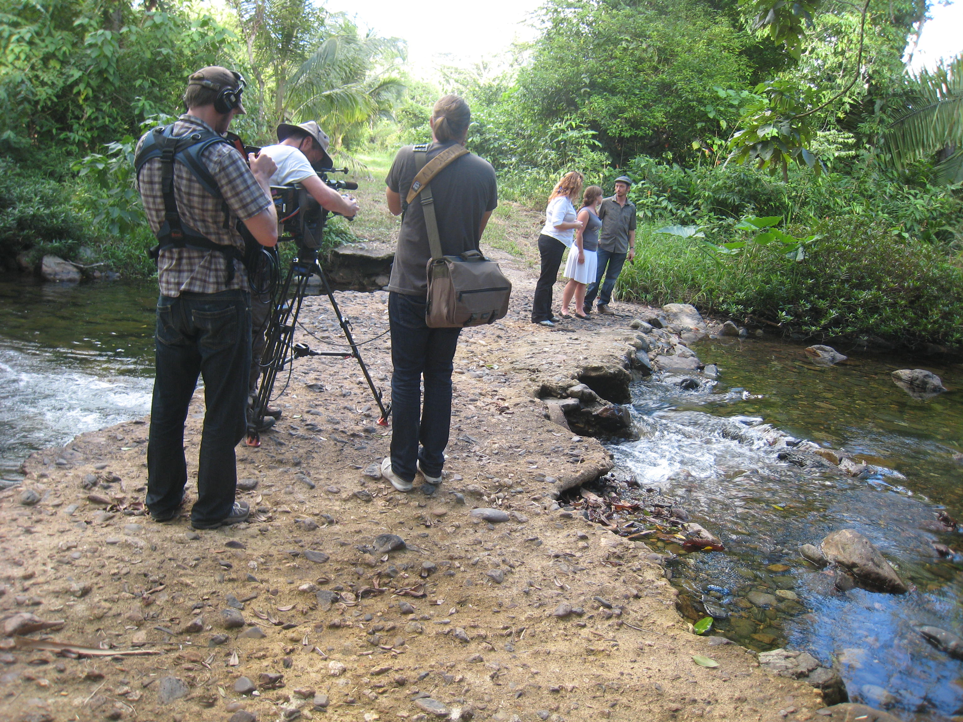 Belize media for belize talk radio show international real for Hgtv schedule house hunters