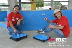 KW Belize RED DAY Kelly and Ginny