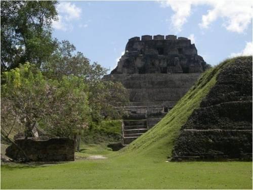 Belize Xunantunich Ruin